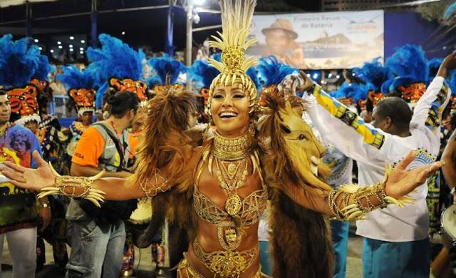 Em 2010, a japonesa foi coroada Rainha de Bateria da Vila Isabel, posto que ostenta até hoje. Seu bumbum já ganhou muitos elogios na Avenida, sendo considerado, por diversas vezes, o mais bonito do Carnaval. Em 2011, botou para quebrar com a fantasia cria<br>