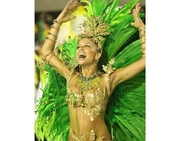 Além da profissão de atriz, a ex-BBB Grazi Massafera arrematou o posto de rainha de bateria da Grande Rio quando deixou a casa do reality show. A paranaense permaneceu coroada por dois anos, de 2007 a 2008. No primeiro, a ex-Miss Paraná desfilou com fanta<br>