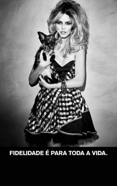 A modelo Yasmin Brunet em defesa dos animais.<br>