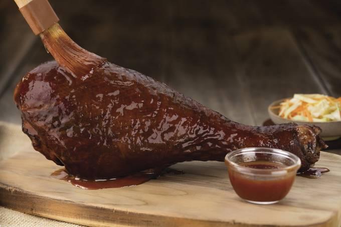 outback-colossal-turkey-leg.jpeg