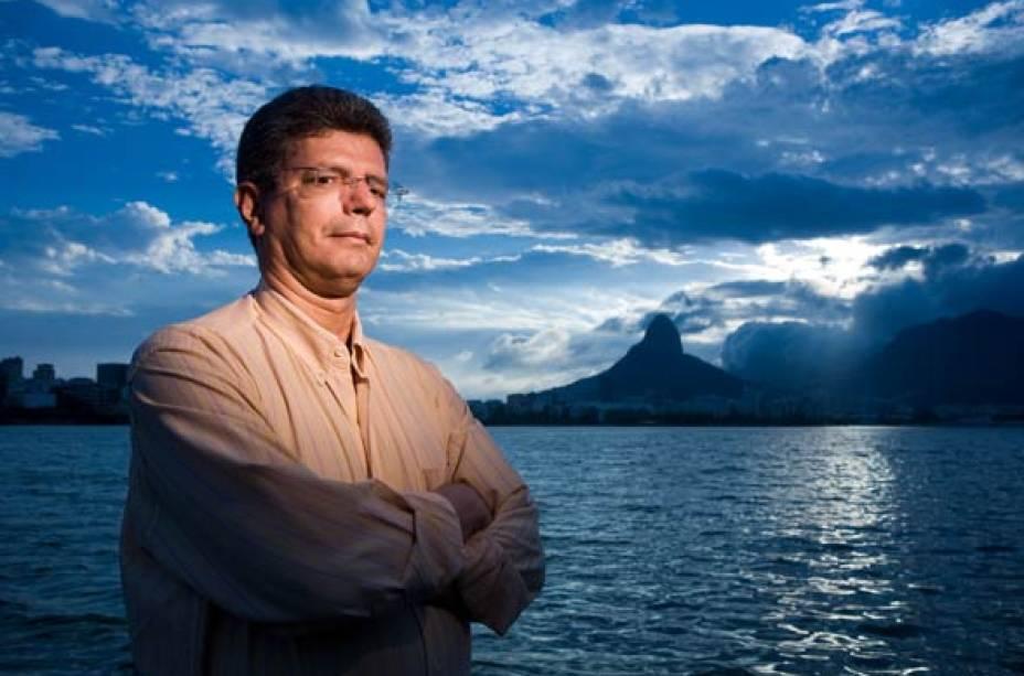 Estudioso do Aedes aegypti, o epidemiologista Roberto Medronho foi premiado pela dedicação em ajudar os cariocas a combater o mosquito da dengue. Em 2008, estava envolvido em treze projetos de pesquisa do Instituto de Estudos em Saúde Pública da UFRJ.<br>