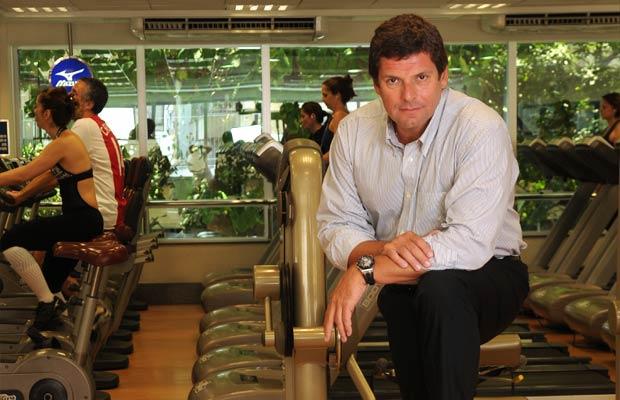 Depois de fazer fortuna com telemarketing, restaurantes e casas noturnas, o empresário Alexandre Accioly iniciou em 2008 o desafio de criar a maior rede de academias de ginástica do país. Então A!Bodytech, o negócio encerrou o ano com vinte estabeleciment<br>