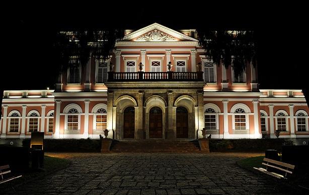 Localizado no Centro de Petrópolis, o palacete do século XIX é hoje um dos mais importantes do país por guardar documentos e relíquias de nossa história<br>