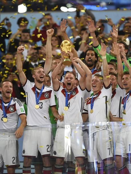 Sem o time brasileiro na final, os cariocas viram os argentinos perder nos pênaltis para os alemães no encerramento da segunda Copa no país. A cidade ainda recebeu outras seis partidas, o maior número entre as sedes