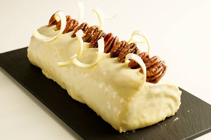 cooking-buffet-buche-de-noel-de-chocolate-branco-maracuja-e-damasco.jpeg