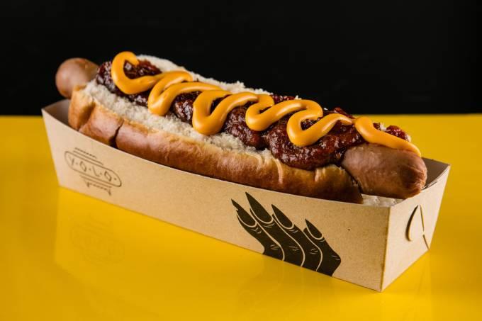 yolo_fera_salsicha-viena-cheddar-e-ketchup-de-bacon_foto-tomas-rangel.jpeg
