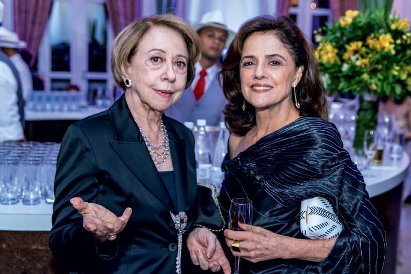 As atrizes Fernanda Montenegro e Marieta Severo