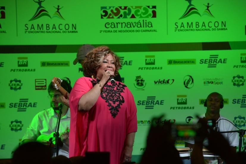 Cantora Alcione é atração da Carnavália Sambacon
