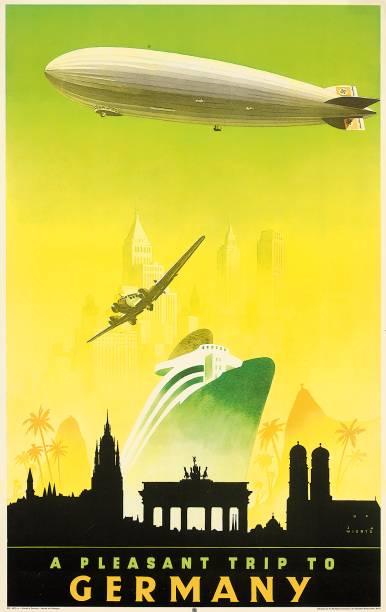 Exposição revela as paisagens selecionadas porcompanhias aéreas e marítimas para representar as belezas da cidade