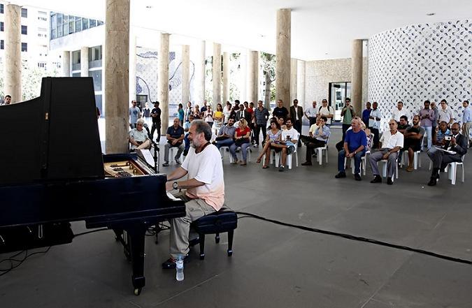 marcos-ariel-no-projeto-musica-no-patio-do-capanema-foto-s-castellano.jpeg