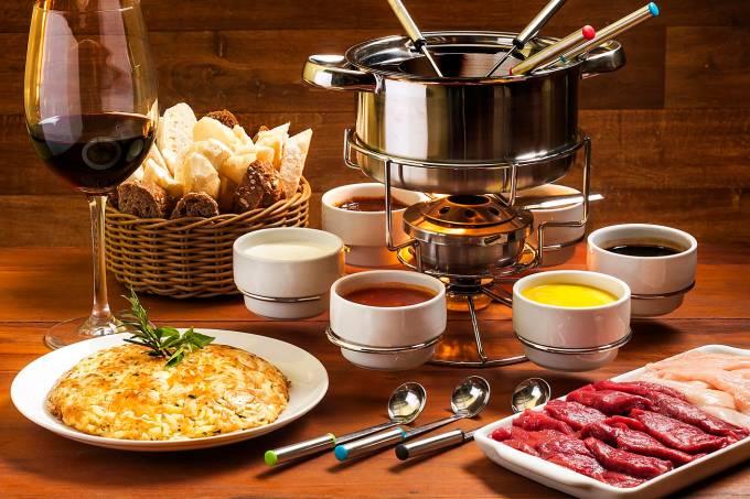 carmelo-armazem-fondue-de-carne-filico.jpeg