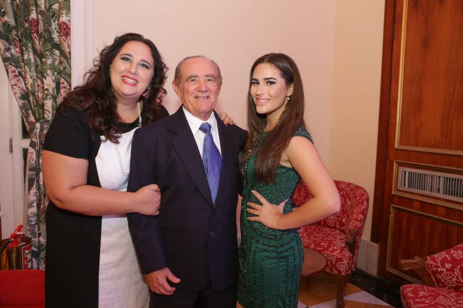 Renato Aragão com a mulher Lilian e a filha Livian