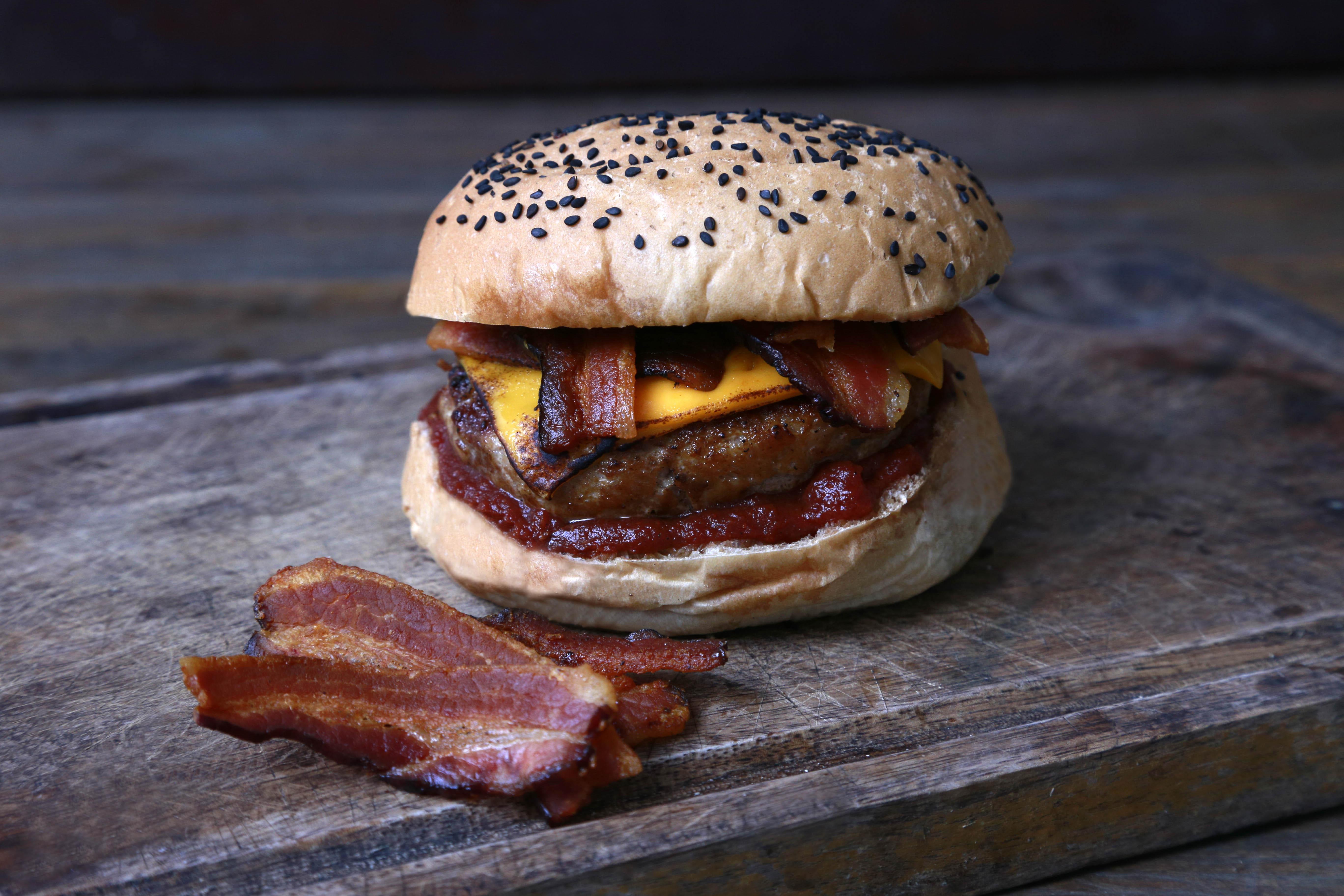 Oinc Poitc - Degusta Burger