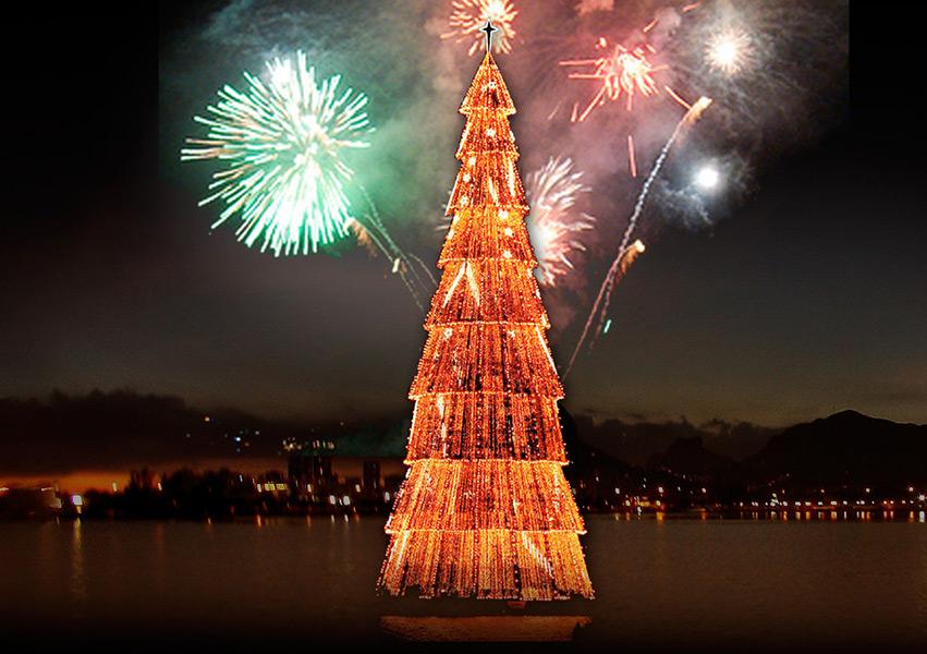 Em 1999 a árvore foi incluída no Guinness Book of Records como a maior árvore de natal flutuante do mundo, com 76 metros de altura. Ela pesava 250 tonaladas