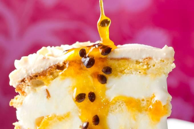 mp-tortas-torta-de-sorvete-de-iogurte-e-maracuja-1.jpeg