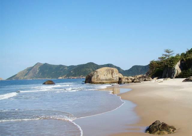 praia-naturista-rio-janeiro.jpeg