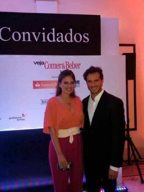 O ator português Paulo Rocha e a mulher Juliana Pereira