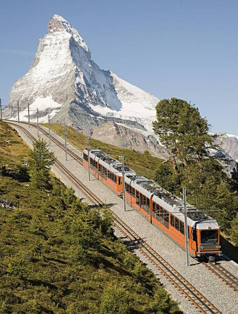 Zermatt, na Suíça, é cercada por montanhas pitorescas como o impressionante monte Matterhorn