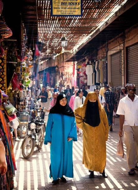 No Marrocos, além de perder-se nos mercados, aproveite ainda para conhecer a cadeia de montanhas de Atlas