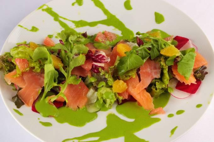 salada-de-salmao-prato-de-primavera1-jose-renato-2-corte.jpeg