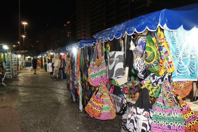 feira-noturna-copacabana.png
