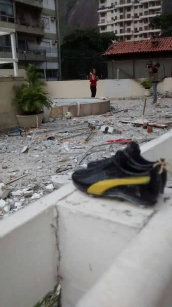 Os destroços da explosão em um prédio em São Conrado, na manhã de segunda (18)