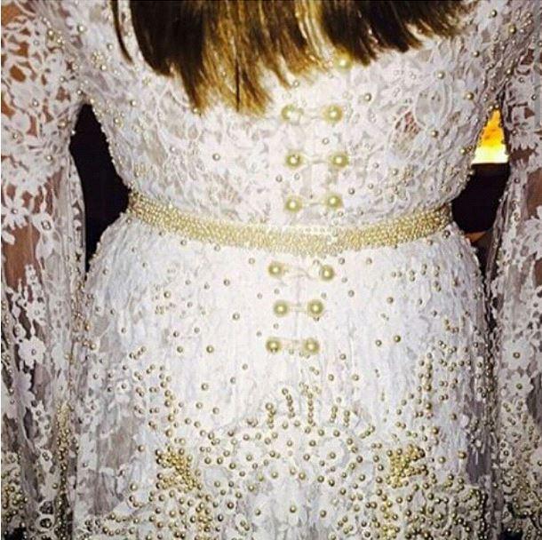 Detalhe das costas do vestido de Preta Gil