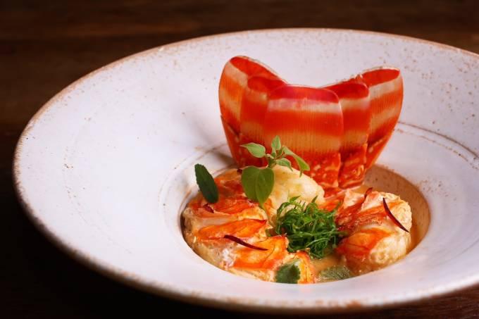 sawasdee_curry-de-lagosta-arroz-jasmim-com-lentilha-rosa-e-castanhas2_credito-thiago-sodre-1.jpeg