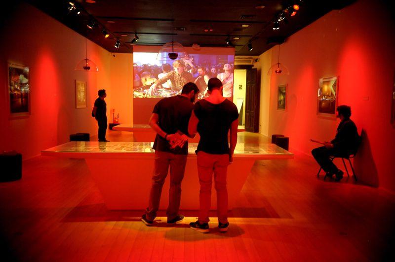 A exposição Zeitgeist: a Arte da Nova Berlim reúne trabalhos de 29 artistas contemporâneos