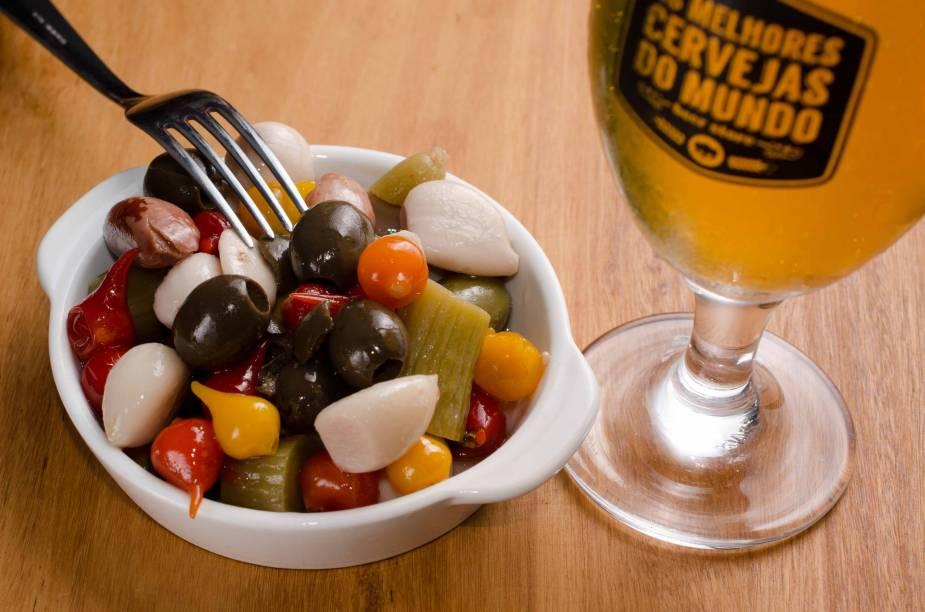 Mix de conservas: petisco no As Melhores Cervejas do Mundo