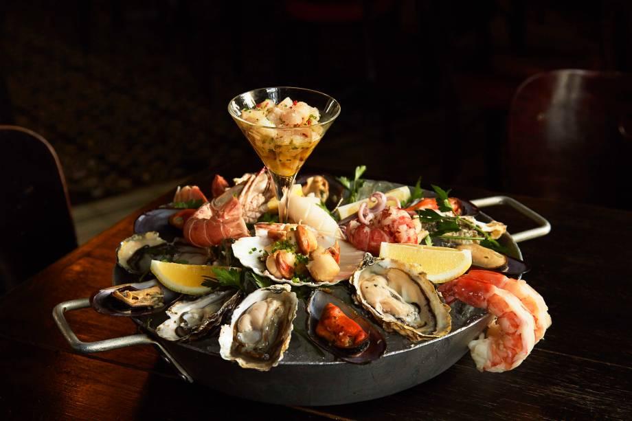 Grand plateau de frutos do mar: seleção fresquíssima de crustáceos