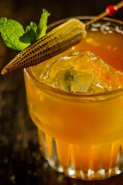 kentucky-tivo, mistura de uísque, licor Amaro Lucano, jerez e ginger beer: um clássico da matriz