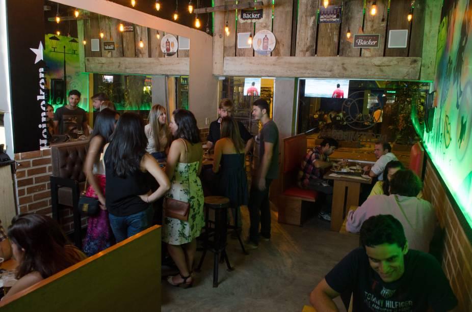 Movimento no salão: novo pub em Botafogo