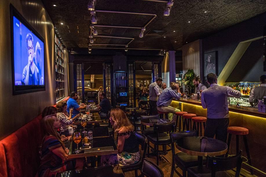 Balcão: lugar disputado no The Hellish Pub