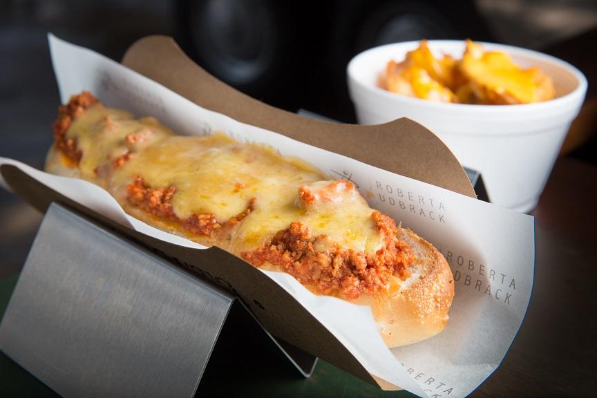 Salsicha frankfurt, pernil na cerveja e queijo
