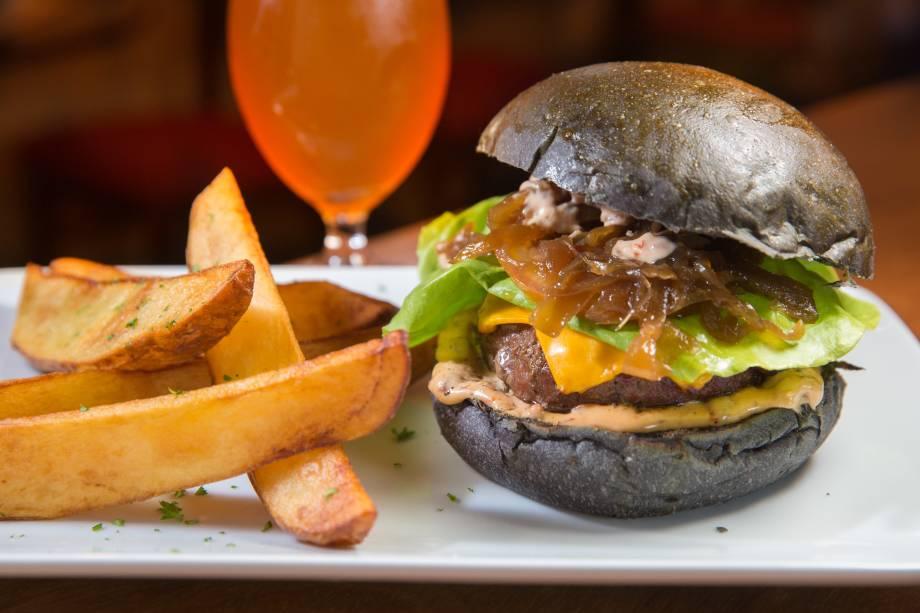 Angel of death: burger saboroso e pão curioso