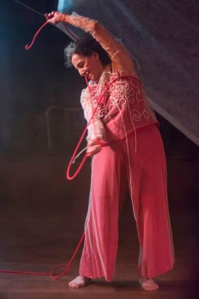 Angel Vianna dança solo