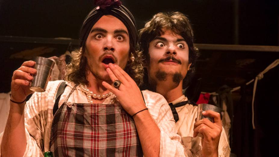 Hamlet ou Morte! brinca com Shakespeare: comédia do jovem grupo Os Trágicos parte de texto curto do inglês Tom Stoppard