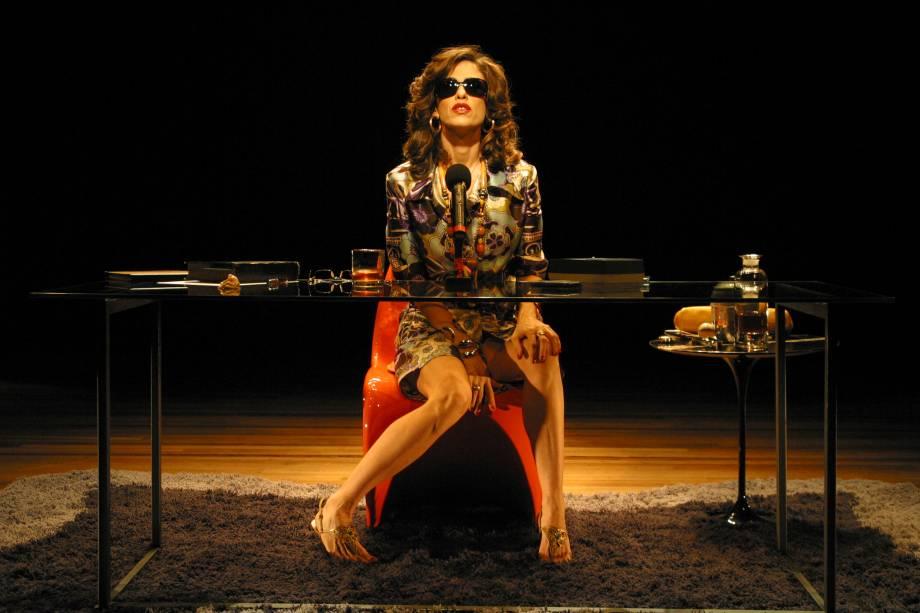 Fernanda Torres em A Casa dos Budas Ditosos: transposição para os palcos do livro de João Ubaldo Ribeiro