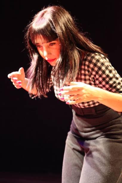 Rita Elmor impressiona pela semelhança com Clarice Lispector