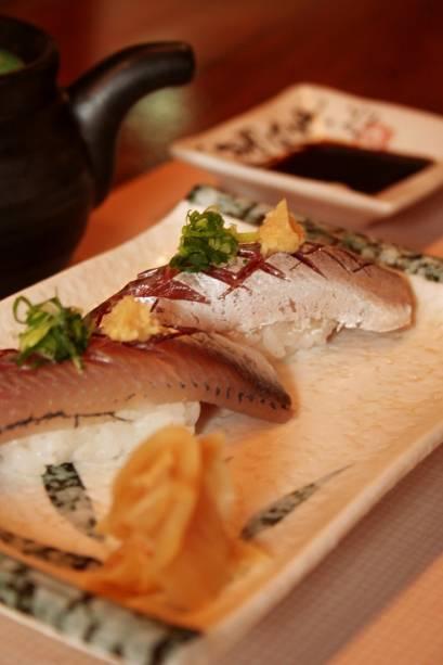 Dupla de sushi de sardinha