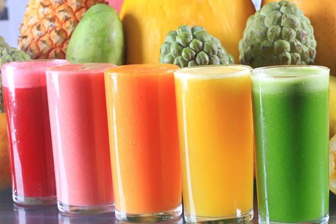 Variações com frutas frescas: em cartaz na rede Polis Sucos