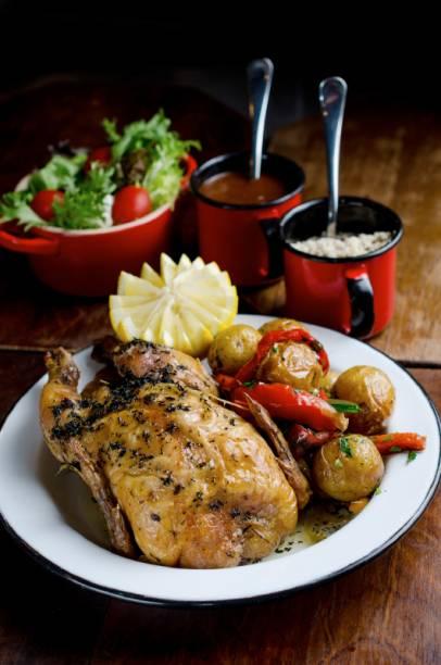 Carne assada por doze horas e espaguete ao molho de gorgonzola (R$ 56,00): nova criação