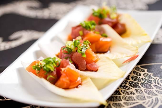 Origami_Takarabune_atum e salmão com cebolinha e molho de pimenta tailandesa_Filico2