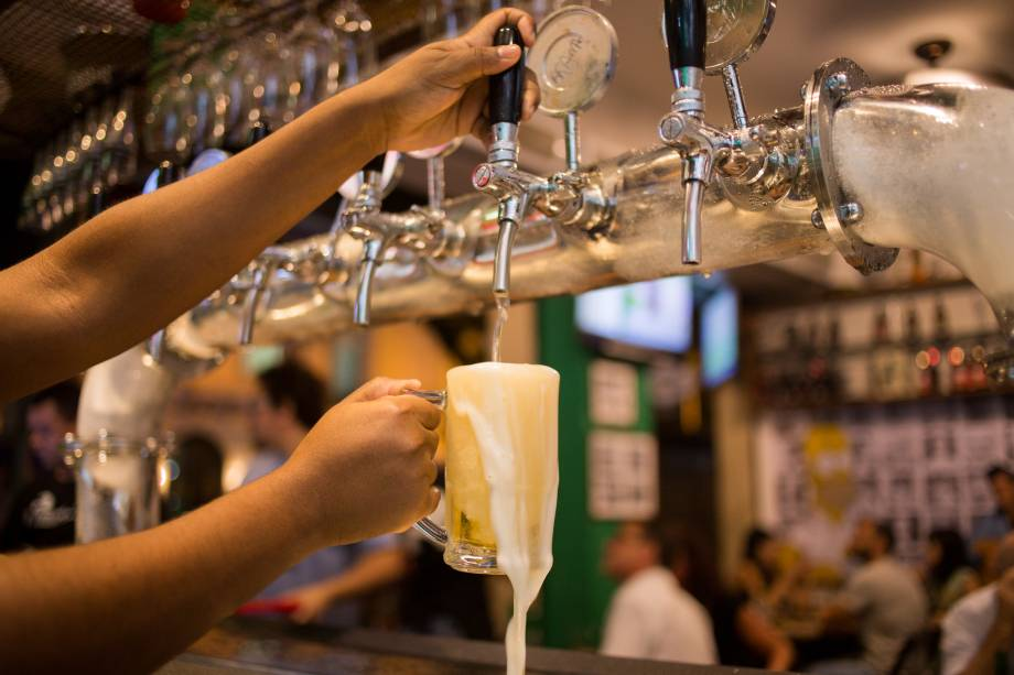 O bar investiu na criação da um chope da casa, que divide as torneiras com marcas comerciais e bebidas convidadas