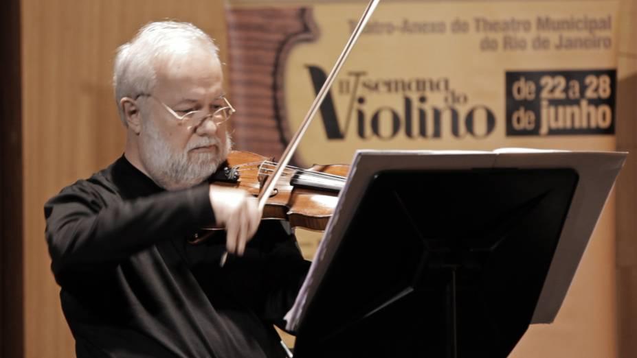 O solista Paulo Bosisio é uma das atrações da III Semana do Violino