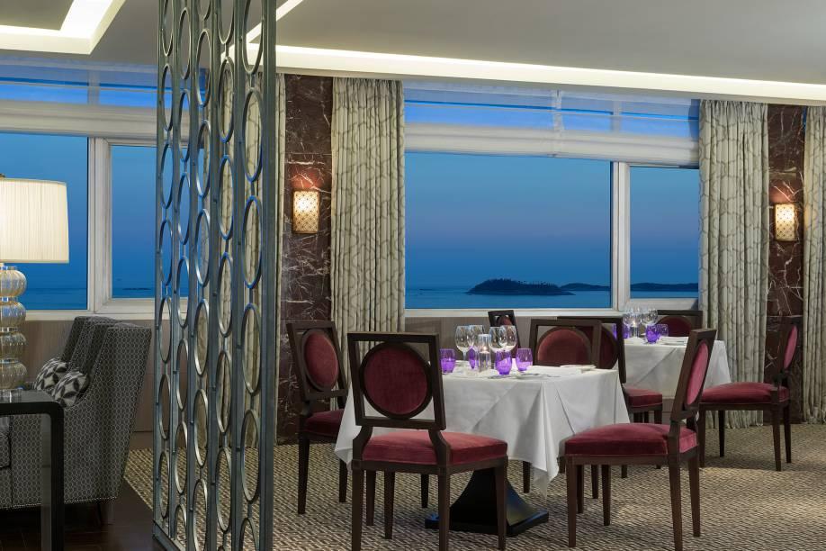 Salão do LEtoile com vista para o mar