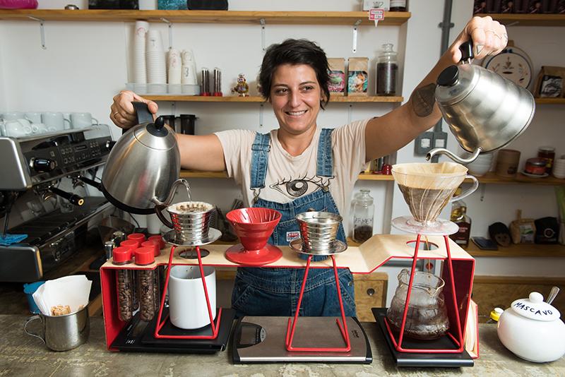 Gabriela Ribeiro em ação: diferentes métodos de extração