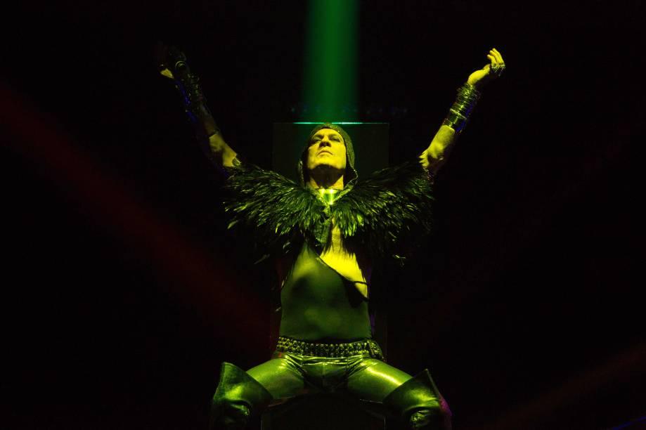 O cantor: mistura sonora em duas noites no Circo