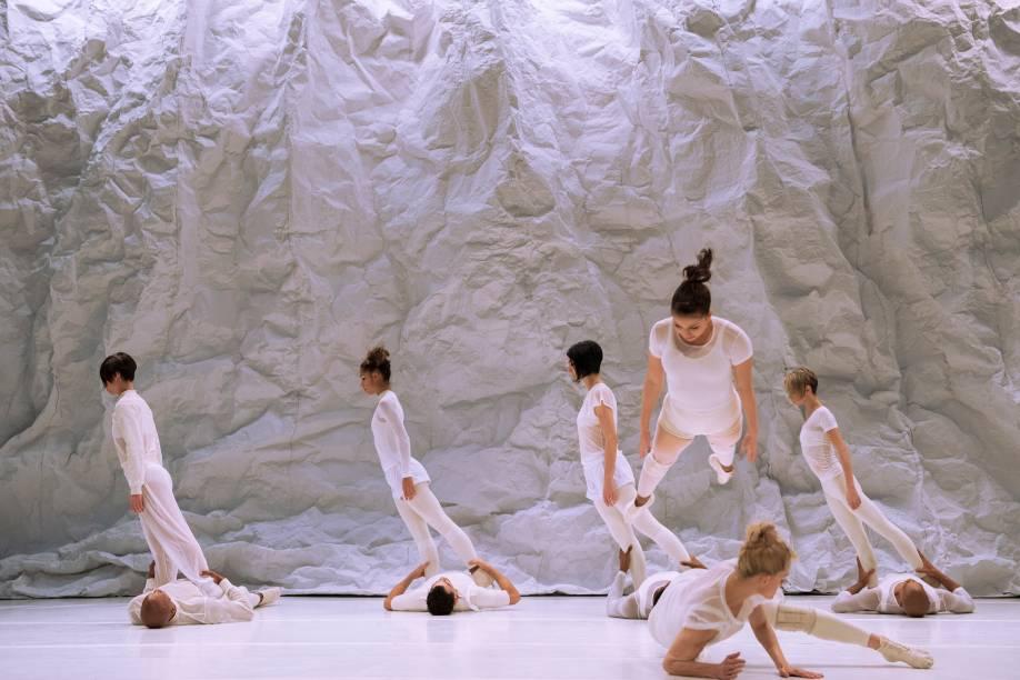 Suíte Branca, nova coreografia do Grupo Corpo: celebração dos 40 anos da trupe